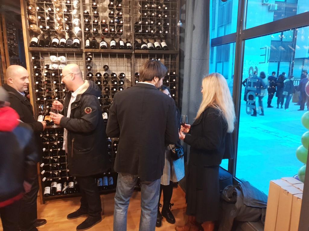 WineBox…otvaranje 21.12.2018. Vino_44.like