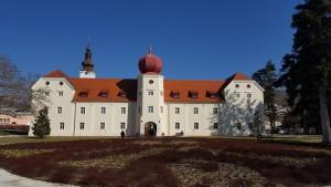 dvorac kutjev